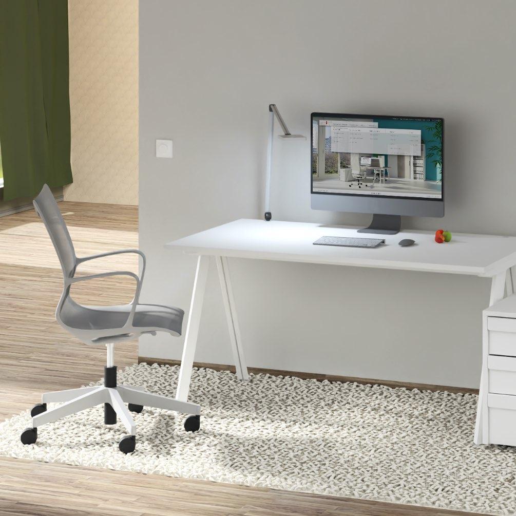 Homeoffice ergonomischer Stuhl und Tisch